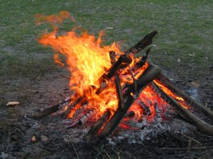 How-to-prevet-house-fires-in-the-fall-campfires