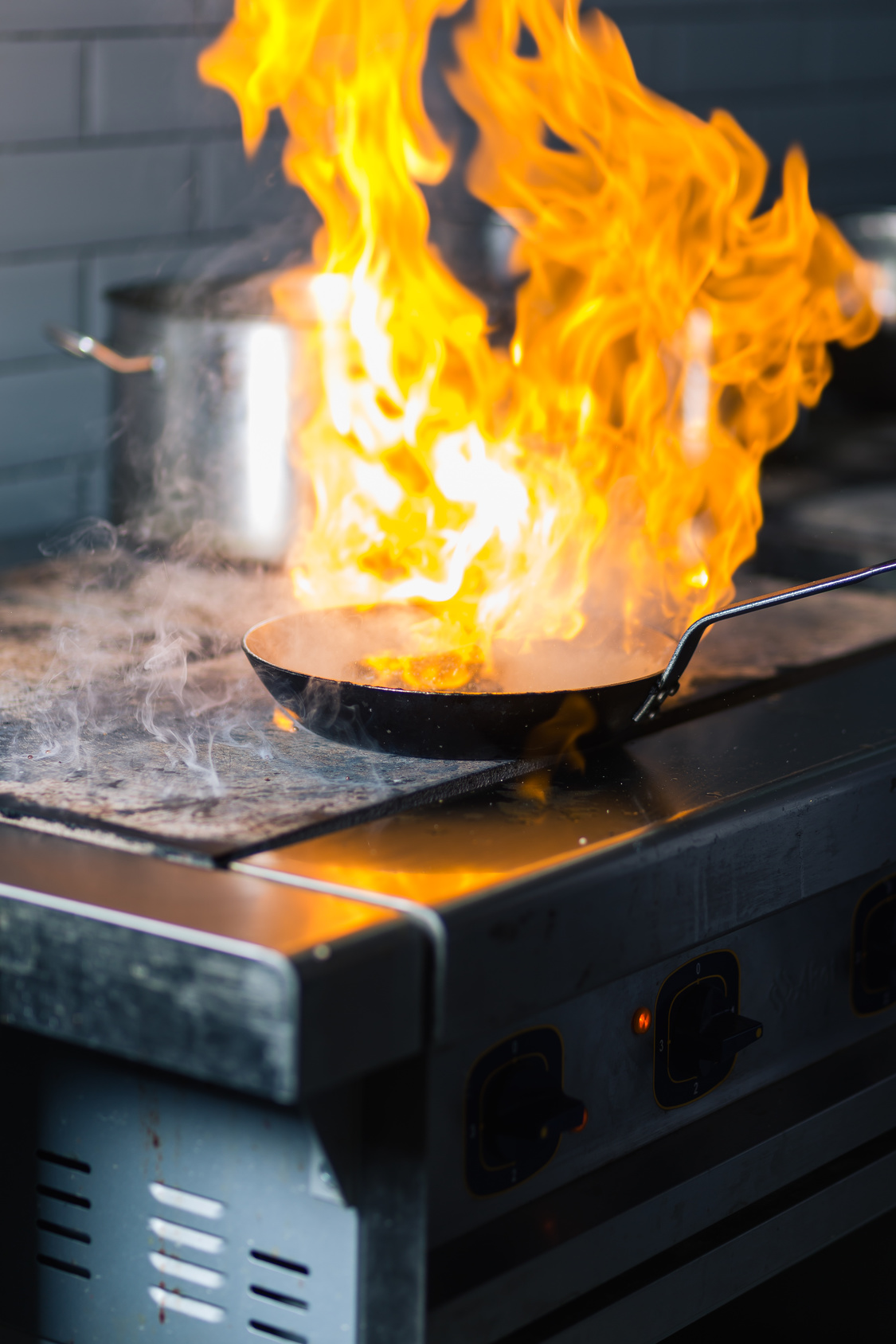Kitchen-Grease-Fire-Iron-Pan