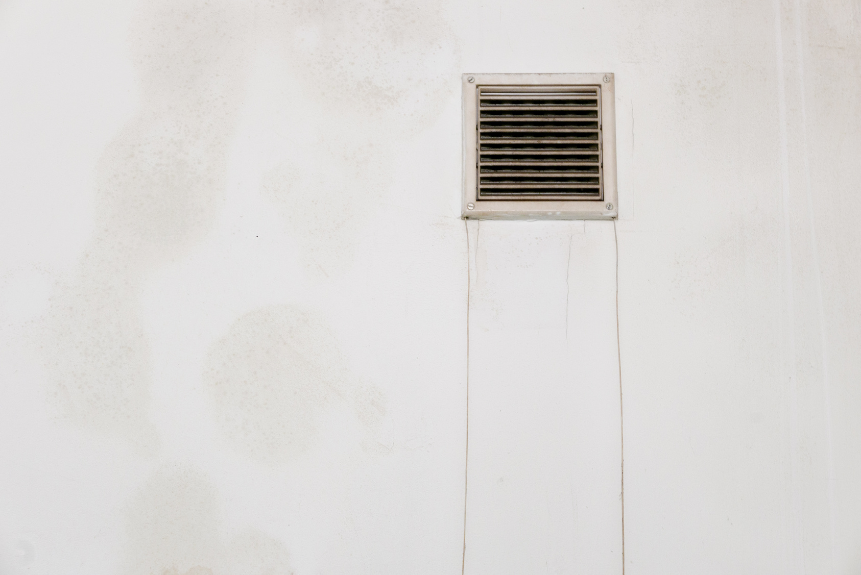 Water-Stain-Near-Air-Vent